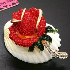 BETSEY JOHNSON~ Brilliant Rose Brooch/Pin
